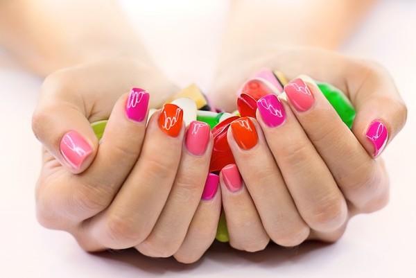 Как красиво накрасить короткие ногти