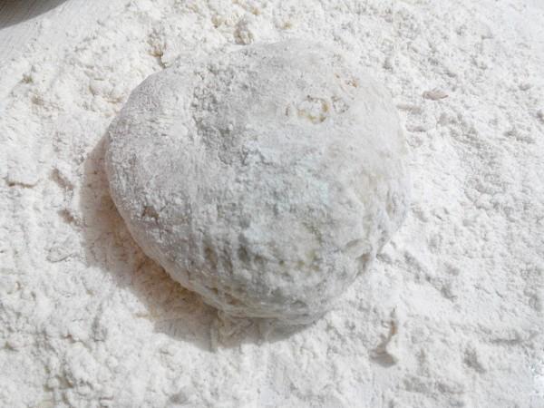 Фото приготовления рецепта: домашние пельмени - шаг № 2