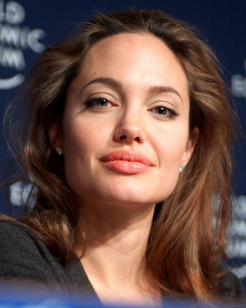 Анджелина Джоли: биография, фото, личная жизнь
