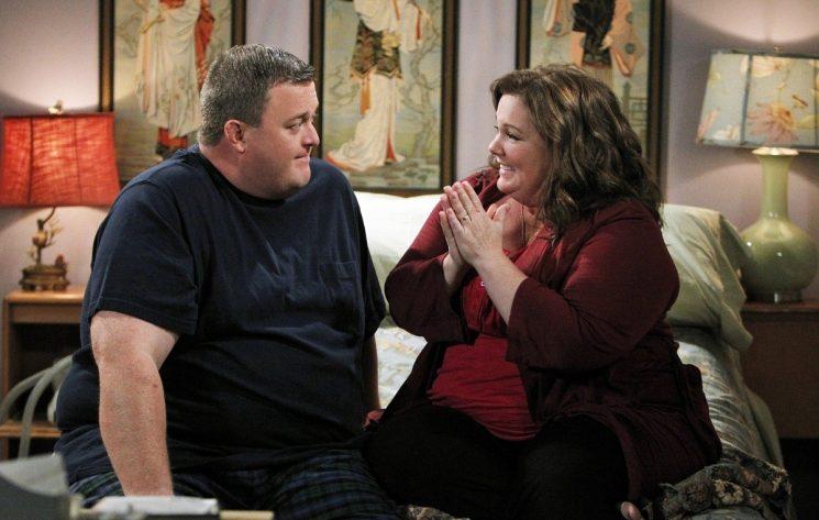 Ситком «Майк и Молли» будет завершен 6-ым сезоном