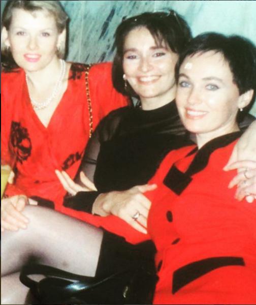 Лариса Гузеева поделилась фото из юности