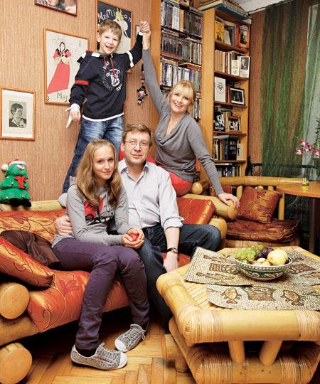 Анна Ардова с мужем и детьми