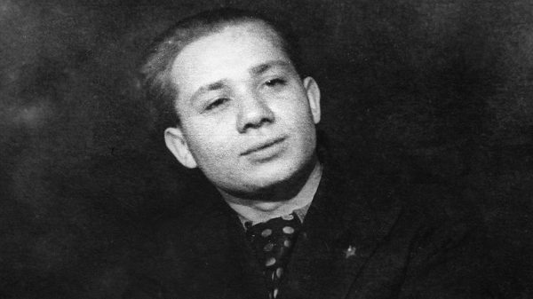 Евгений Леонов в молодости