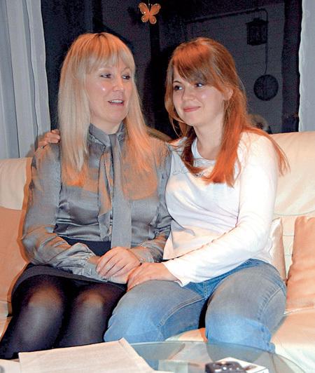 Предполагаемая дочь Серова Кристина с матерью