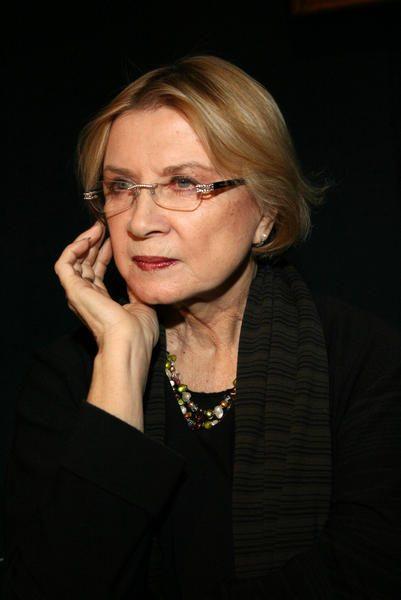 Алла Демидова
