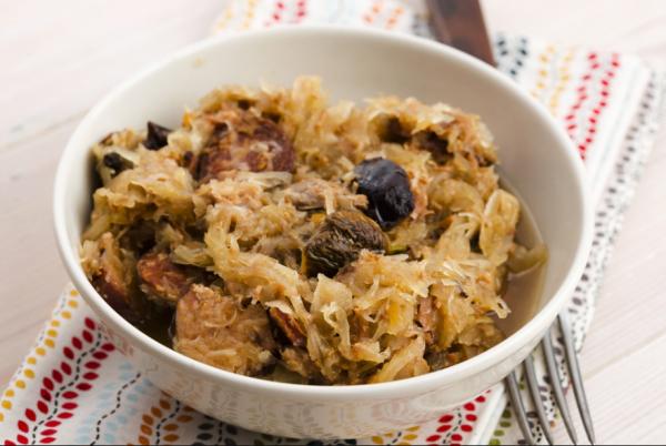 Рецепт тушеной капусты с добавлением чернослива