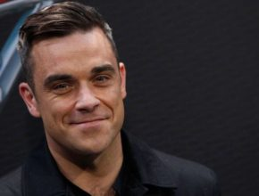 Robbie Williams: Party like a Russian — перевод и текст песни