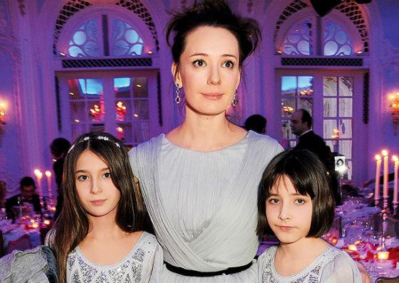 Чулпан Хаматова с дочерьми
