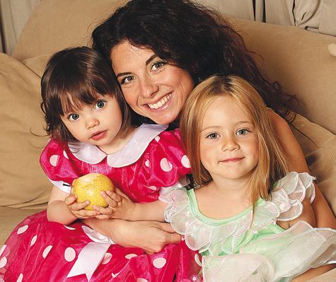 Анна Плетнева с дочерьми