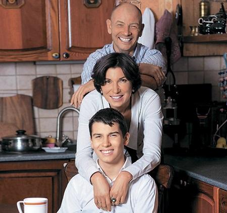 Ирада Зейналова с семьей