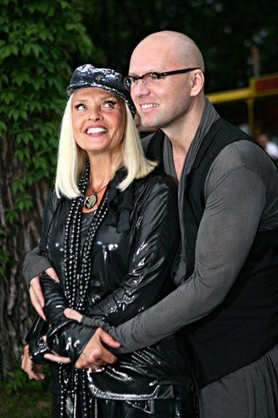 Лайма Вайкуле с мужем Андреем Латковским