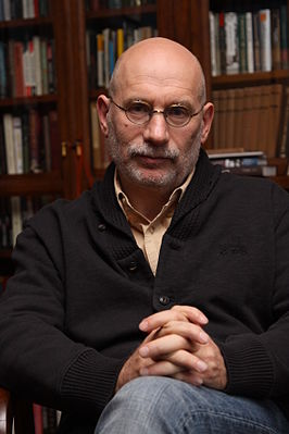 Борис Акунин. Биография писателя, личная жизнь, карьера, фото