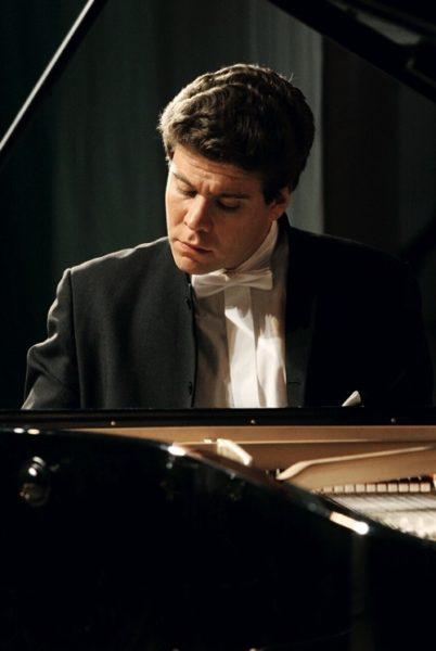 Денис Мацуев за пианино. Фото