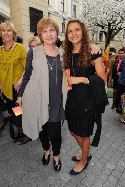 Татьяна Догилева с дочерью. Фото