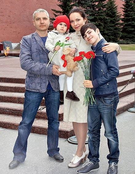 Екатерина Гусева с мужем и детьми