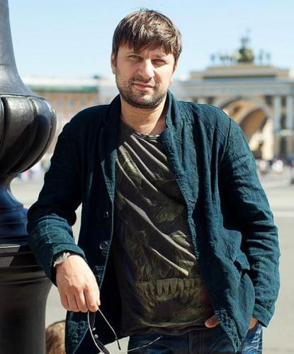 Логинов Виктор. Биография актера и телеведущего, личная жизнь, карьера, фото