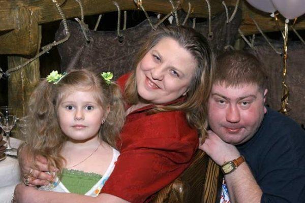 Катя Огонек С Леваном Коявой и дочерью