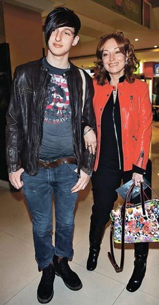 Виктория Тарасова с сыном. Фото