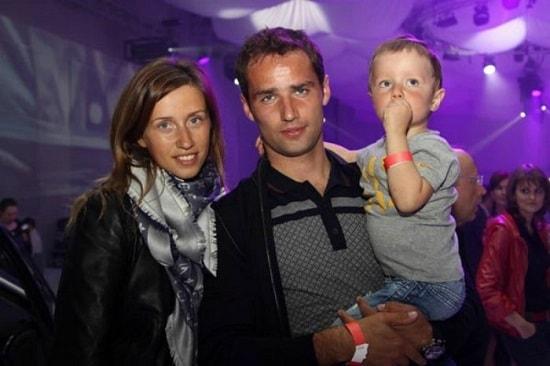 Роман Широков с женой и сыном
