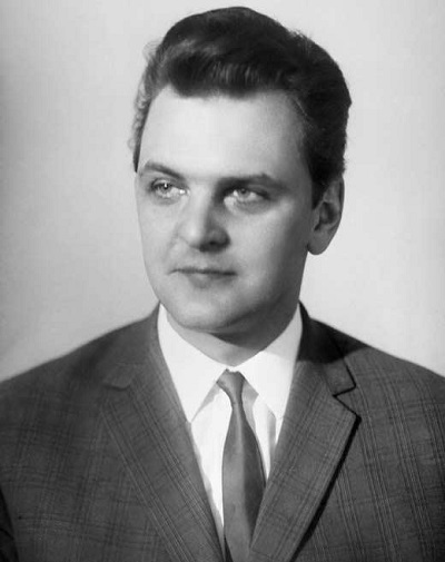 Юрий Яковлев в молодости