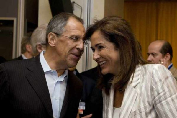 Сергей Лавров с женой