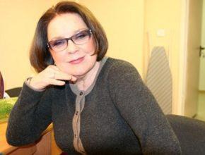 Лариса Голубкина рассказала со сцены о своих комплексах