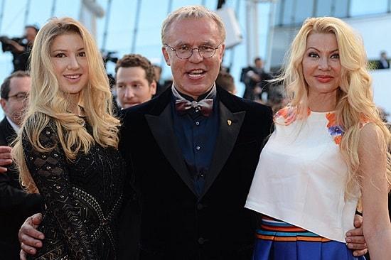Вячеслав Фетисов с женой Ладой и дочерью