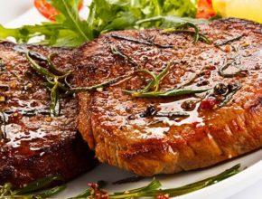 Как приготовить стейк: 3 простых рецепта