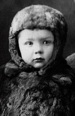 Олег Стриженов в детстве
