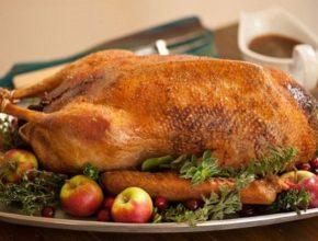 Как приготовить гуся в духовке: 2 простых рецепта