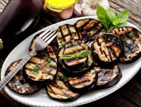 Как вкусно приготовить баклажаны: 2 простых рецепта