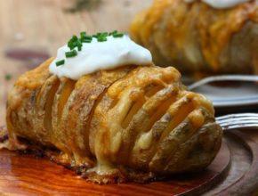 Как приготовить картофель с сыром в духовке