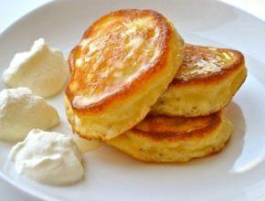 Оладьи на молоке: 8 простых рецептов приготовления